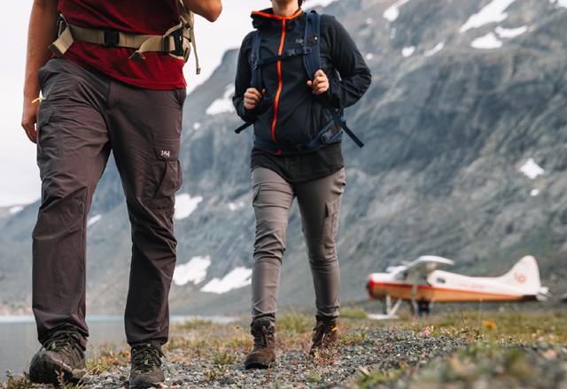 Wandern in einem Nationalpark in Westkanada