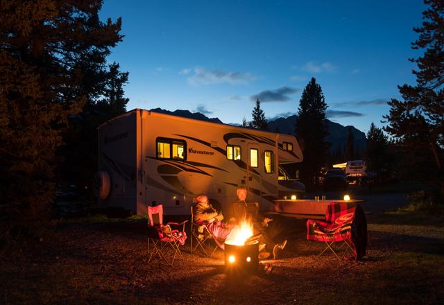 Lagerfeuer am Abend Kanada