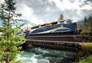 Erleben Sie eine Zugfahrt in den kanadischen Rockies