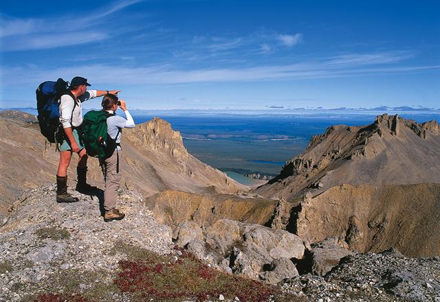 Wandern in den Bergen North Western Territories