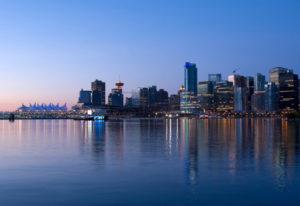 Skyline be Sonnenuntergang in Vancouver der Metropole von Kanada