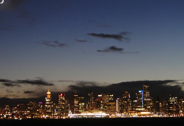 Vancouver die Metropole am Pazifik in Kanada bei nacht
