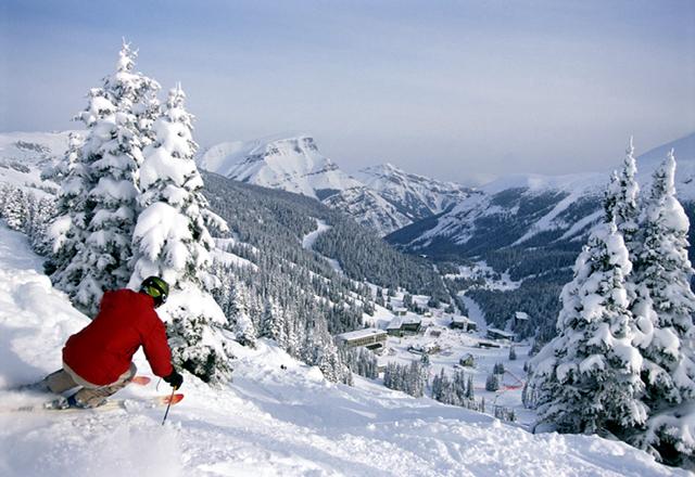 Die kanadischen Rocky Mountains sind der perfekte Ort um einen Skiurlaub unvergesslich zu machen