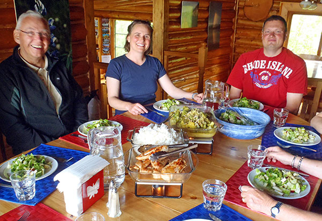 Warmes Dinner in der Wildnis