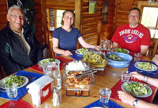 Warmes Dinner in der Wildnis