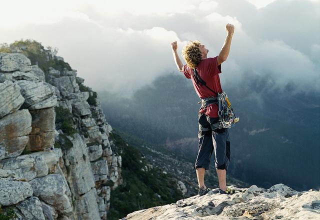 Adrenalin bringt eine Wanderung in den Bergen garantiert
