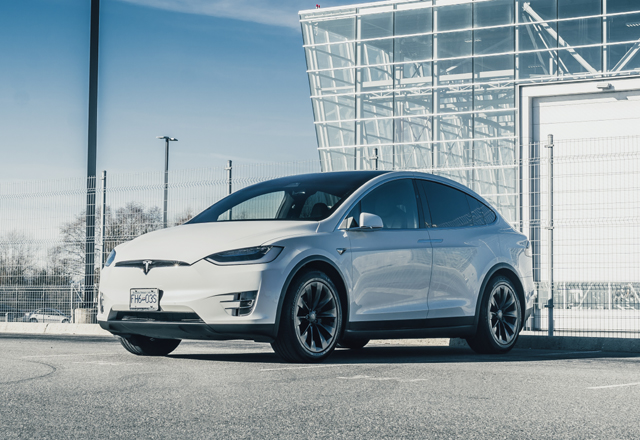 Kanada mit einem Tesla